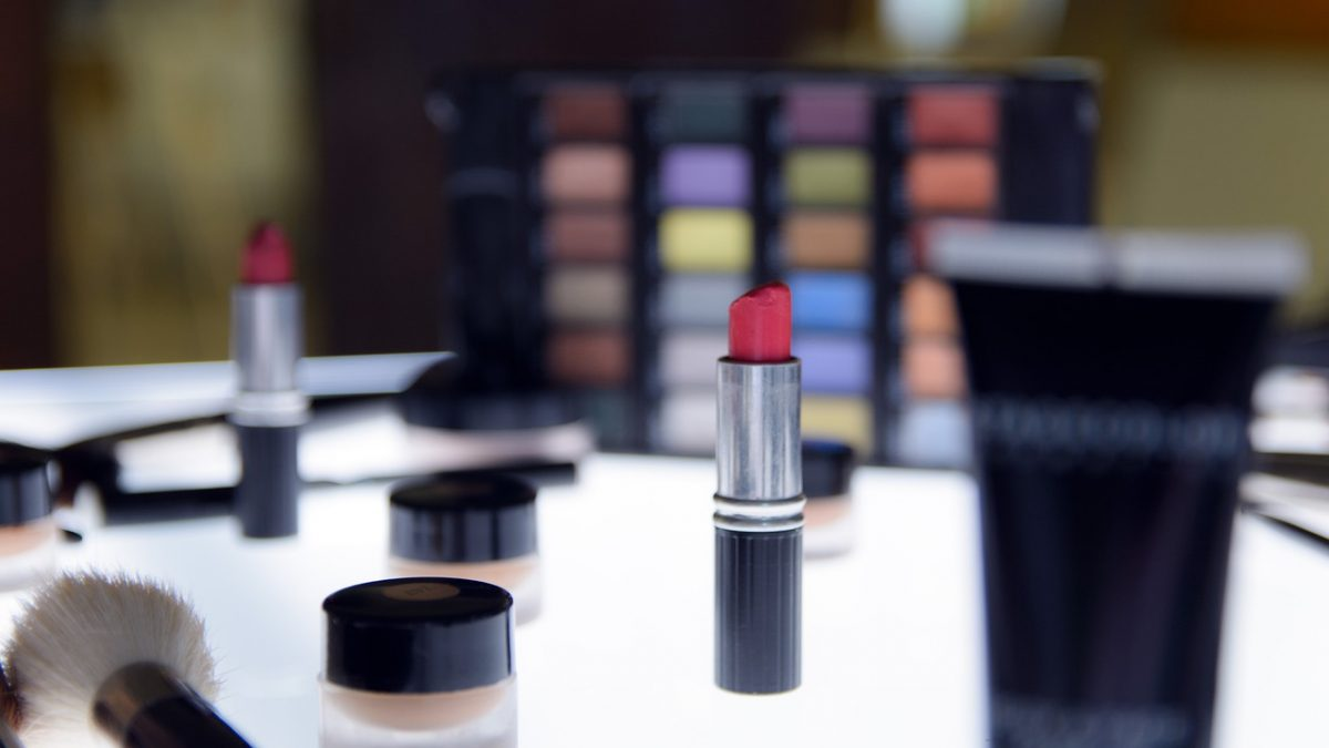 Compare the Price of Beauty Products Available on SG Best Buy