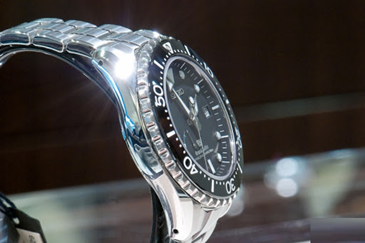 Why Buy Seiko Marinemaster For Divers?