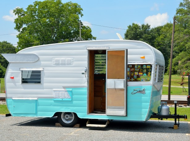 Experience the Freedom & Independence a Camper Trailer Brings